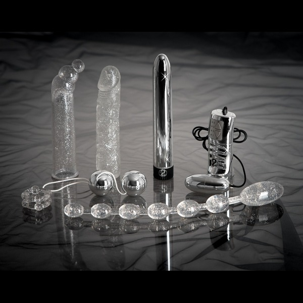 Set od 7 igračaka: vibrator, kuglice, navlake, prsten... - Glamour